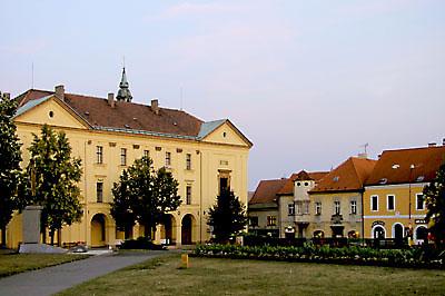 Bývalá piaristická kolej s kaplí Zasnoubení P.Marie (foto: Ivo Horňák)