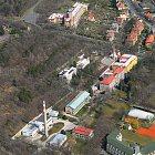 Letecký pohled na areál nemocnice ve Slaném