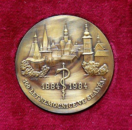 Pamětní medaile ke 100. výročí slánské nemocnice (1984)