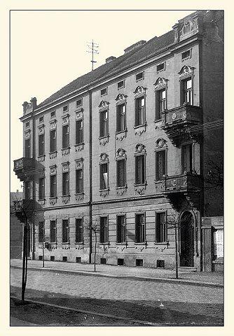 Wilsonova ulice, domy čp. 651 a 652 (foto V.Krupička, únor 1967)