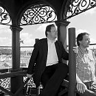 Ivo Horňák a Jan Kocáb pózují fotografovi Jiřímu Jarochovi (BW)