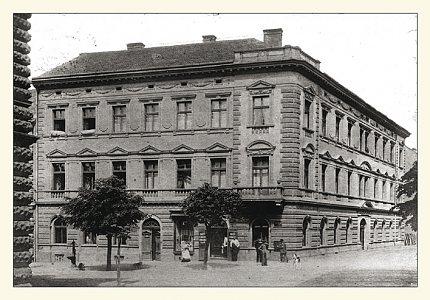 Pohled č. 7 – nárožní dům čp. 596 (kolem roku 1905)