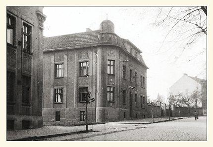 Pohlednice č. 9 – dům čp. 781 (1914–1983), foto 50. léta 20. stol.