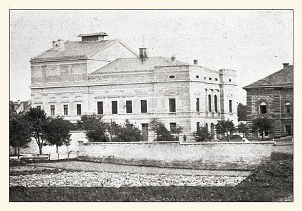 Pohled č. 10 – budova městského divadla č.p. 575 (1883)