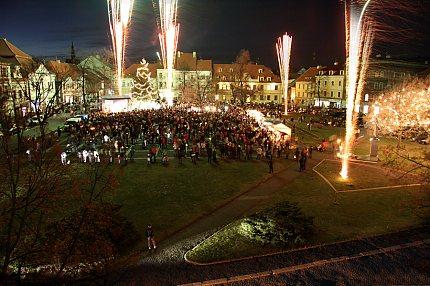 Rozsvícení vánočního stromu ve Slaném (2009) – foto R.Kovář ml.