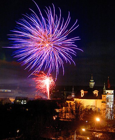 Novoroční ohňostroj nad Slaným