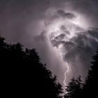 Jeden z vydařených snímků během bouřky na skautském táboře