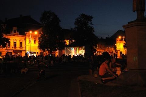 Music on the square. Letní koncerty na náměstí jsou s námi již 10 let!