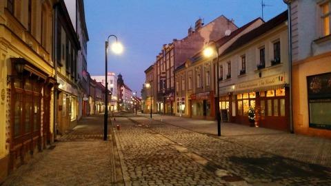 """Husova ulice """"Londa"""" ve Slaném"""