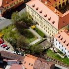 Zahrada městského kina v zadním traktu historické budovy muzea na Masarykově náměstí ve Slaném